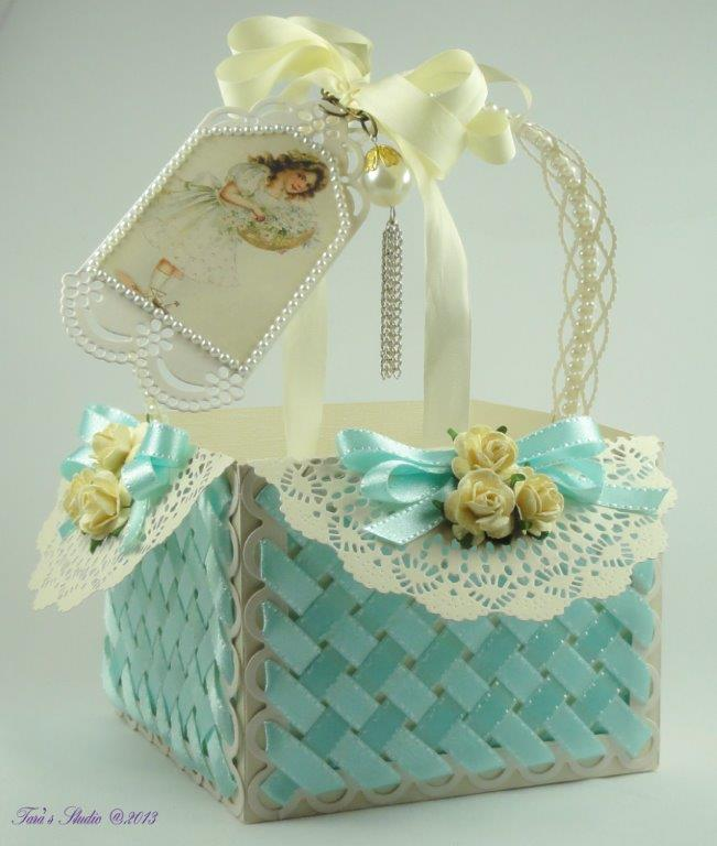Tara's Card Studio - Blue Basket Img 5