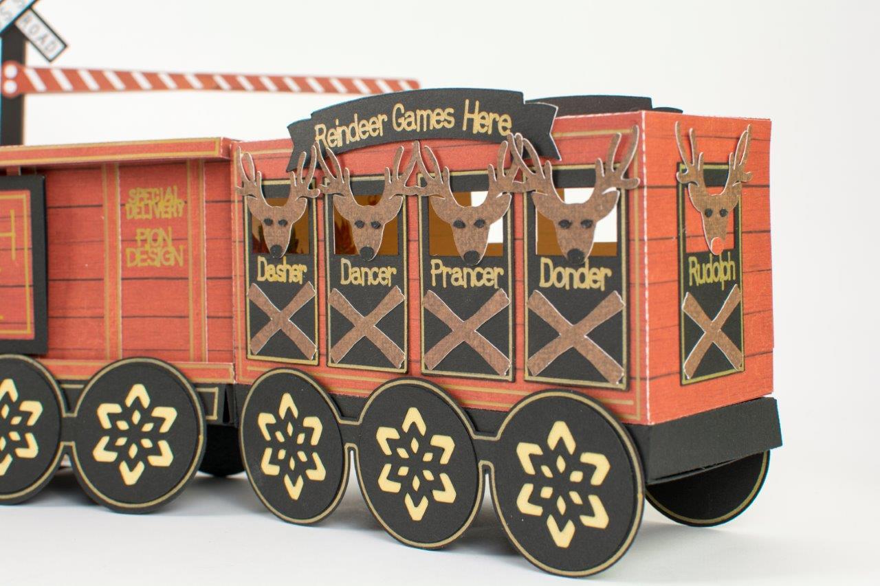 Tara's Studio Christmas Train img 3