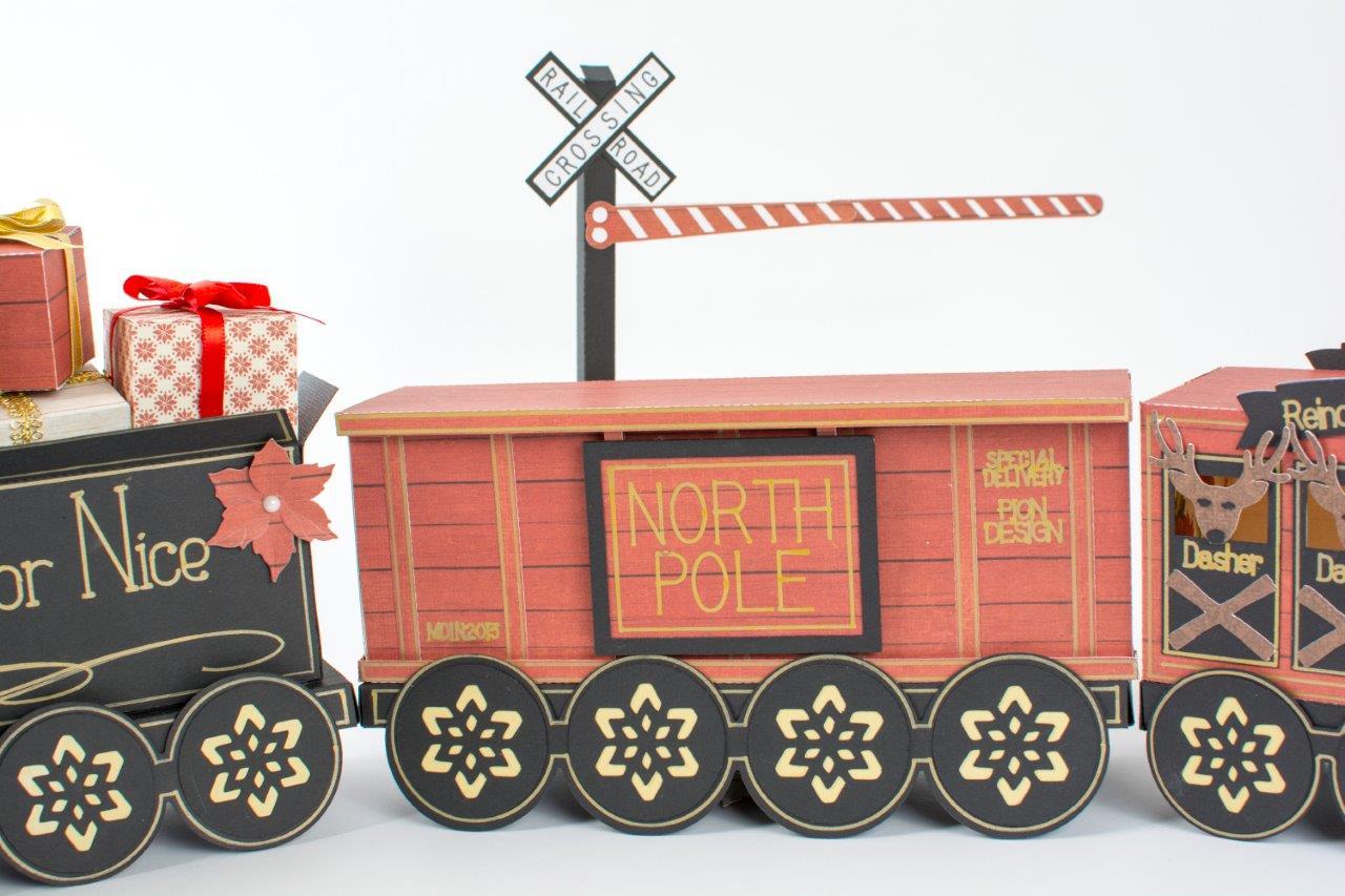 Tara's Studio Christmas Train img 4