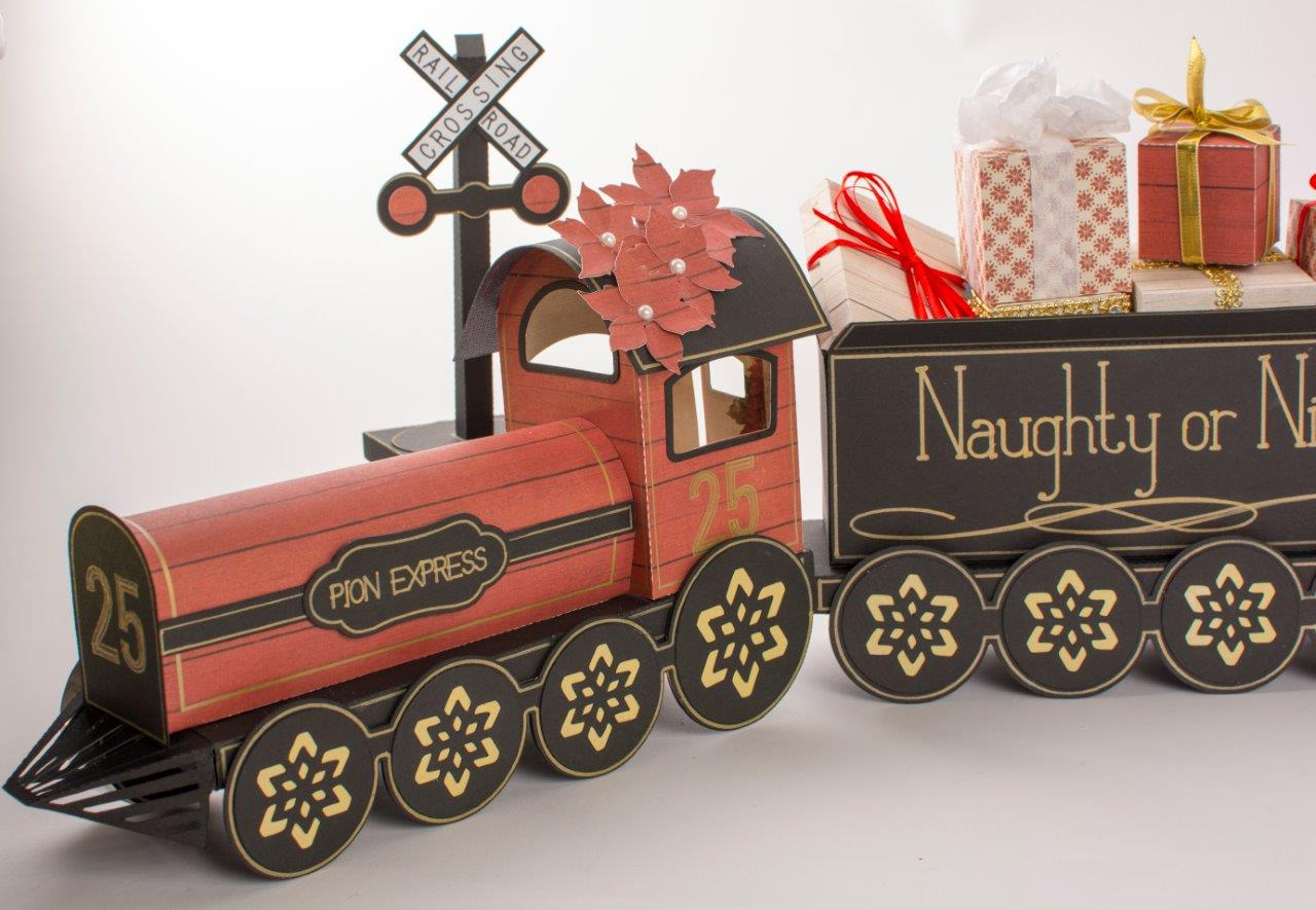 Tara's Studio Christmas Train img 6